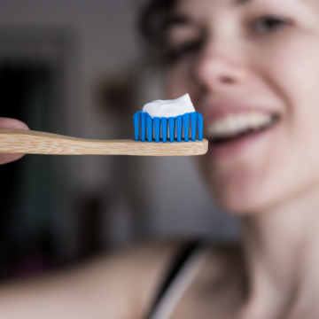 BROSSE A DENTS BAMBOU...